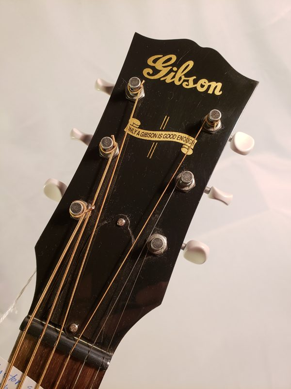 Custom shop Gibson J-45 Mahogany headstock