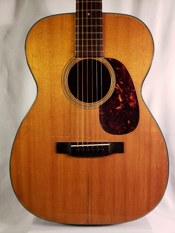 Vintage 1963 Martin OO-18 small body guitar