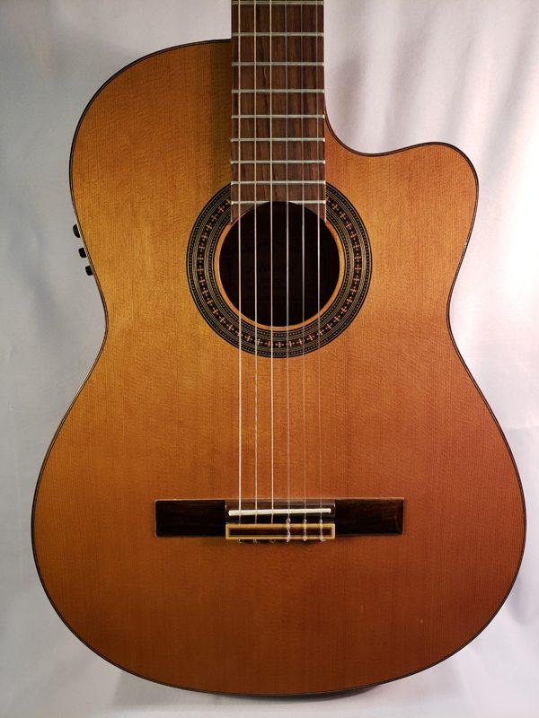 Alvarez AC65CE classical guitar