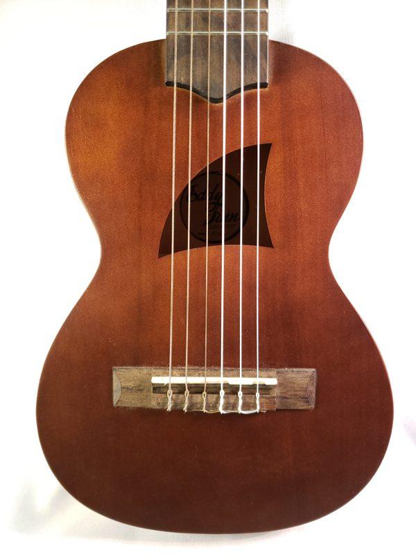 Eddy Finn EFG6 guitar ukulele top